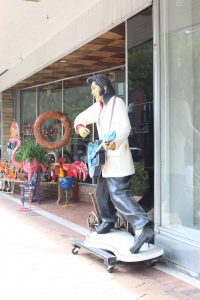 Elvis in front of Middle Street Antiques