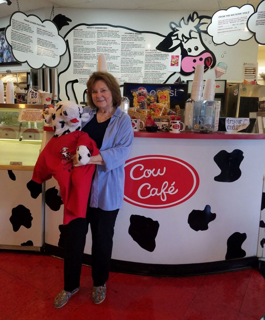 Mrs Moo and Mooford the Cow