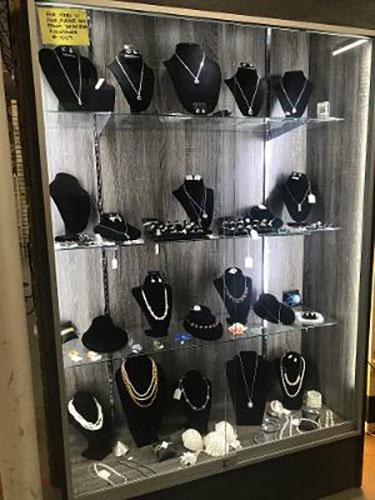 mall jewelry