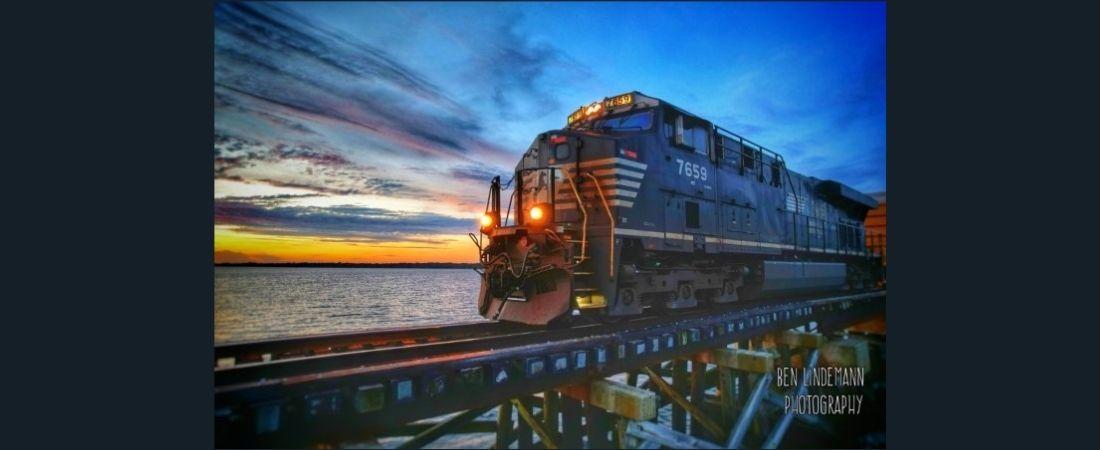 Photograph of train by Ben Lindemann